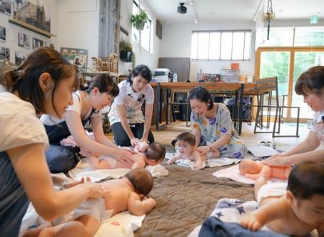 2019.7.29 童謡ベビーマッサージ 横浜の町工場の中にあるカフェ DENにて