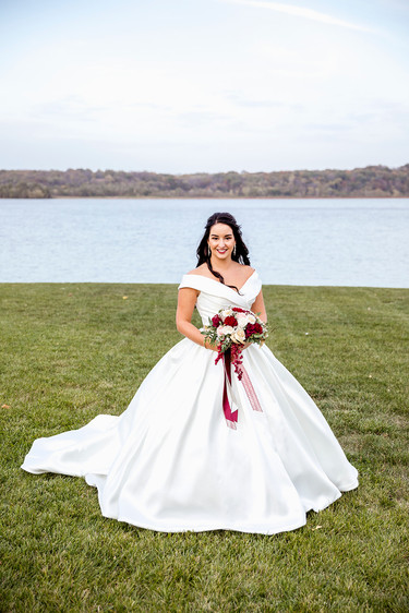 Bridal Portrait along the river in Montrose, Iowa