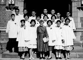 1951_孟格美師母與詩班_20190508.jpg