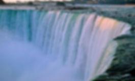 Cascate-del-Niagara.jpg