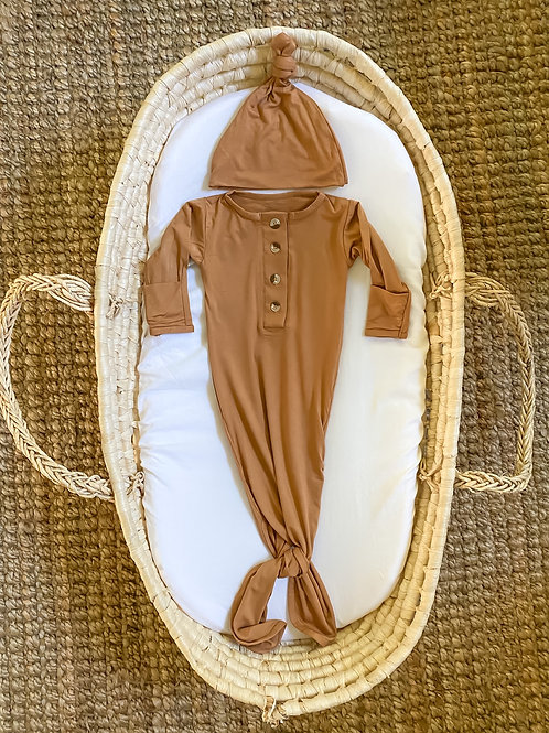 Newborn Knotted Baby Gown and Hat Set - Camel Brown