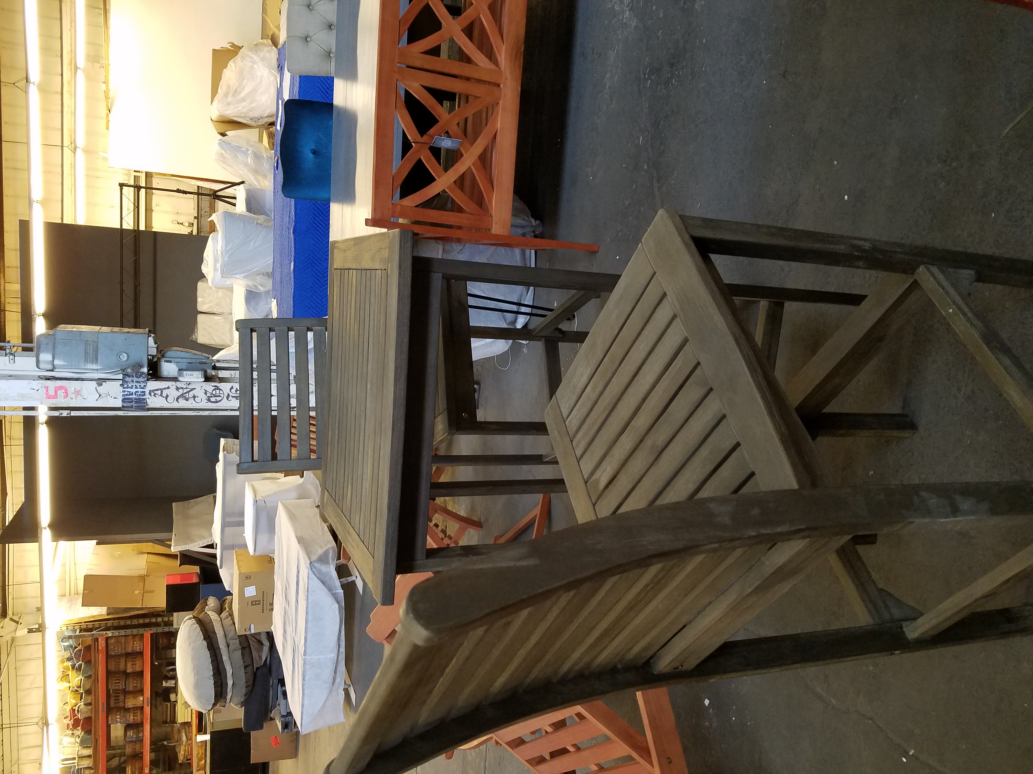 Beautiful Bar Set for your Patio