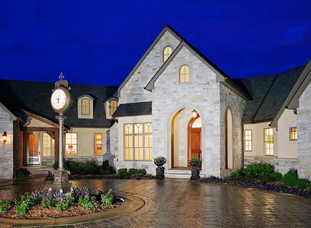 "Home Builder Digest names Mainbuilt ""Best Custom Home Builder in Iowa"""