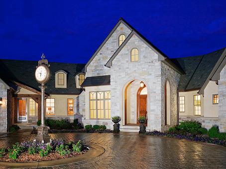 "Home Builder Digest names Mainbuilt ""Best Custom Home Builder in Iowa"""