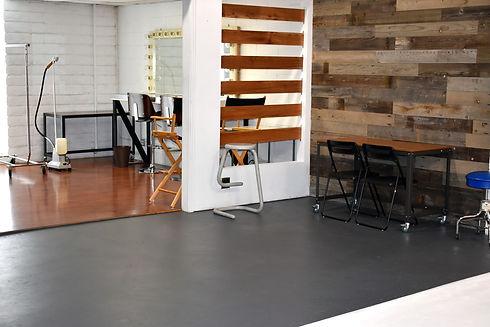 flashaus studio pic 4.jpg