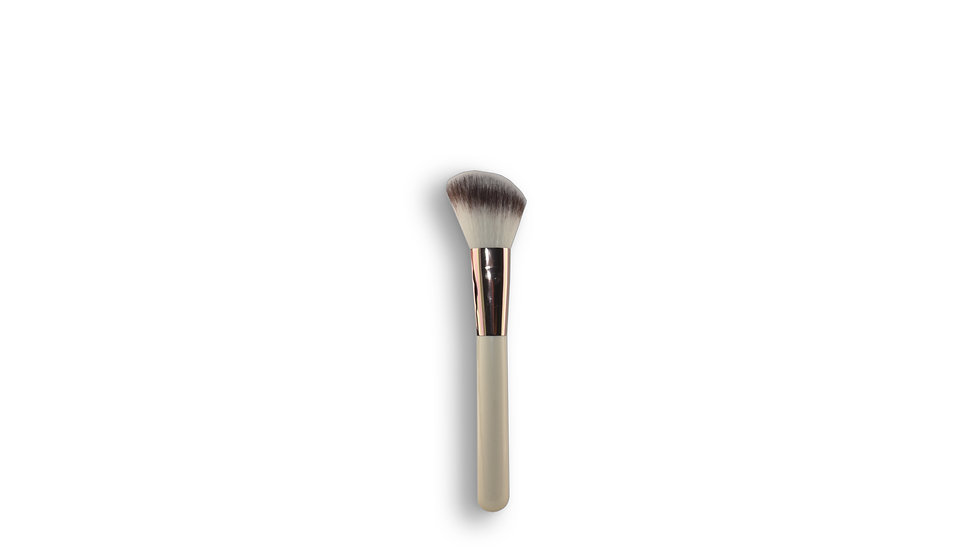 Accessories - Angled Blush Brush (07-13-000-005)