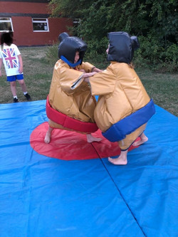 Sumo at The Warren