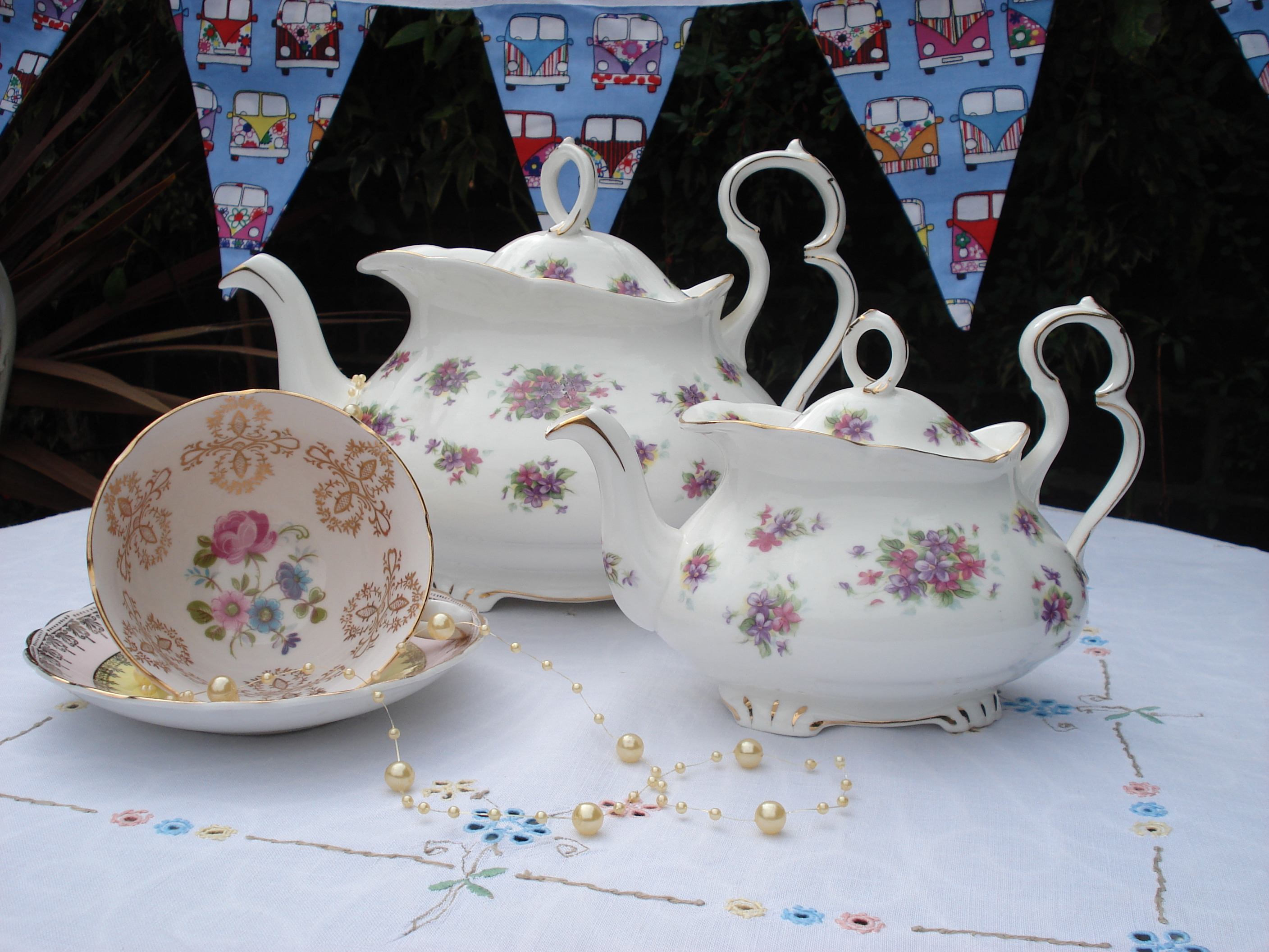 China Tea Pots & Bunting