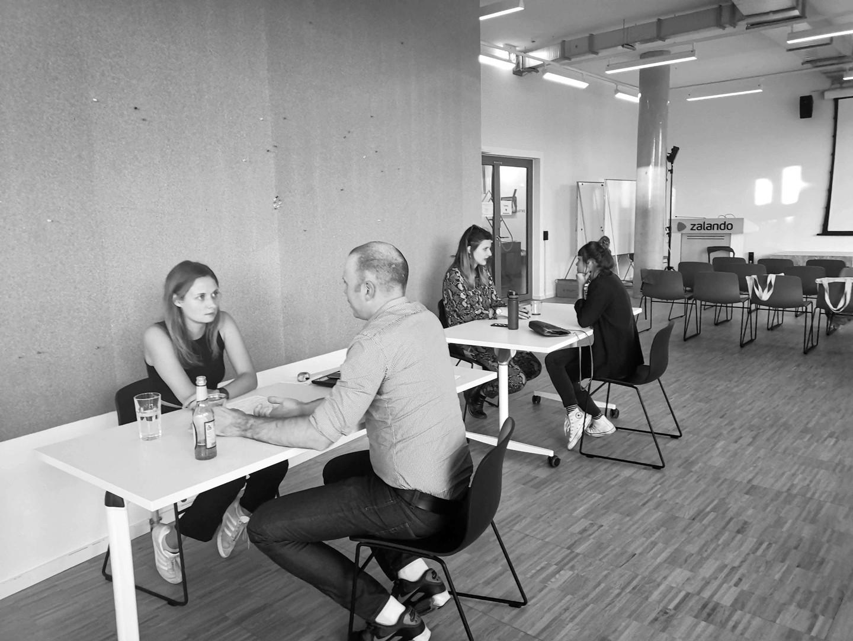 Aufsteiger erhalten Feedback zu ihren CVs durch Zalando-Recruiter