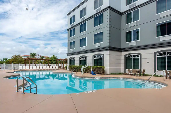 Country Inn Pool.jpg