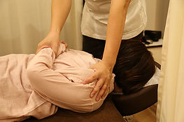 腰痛や肩こりの施術や骨盤矯正