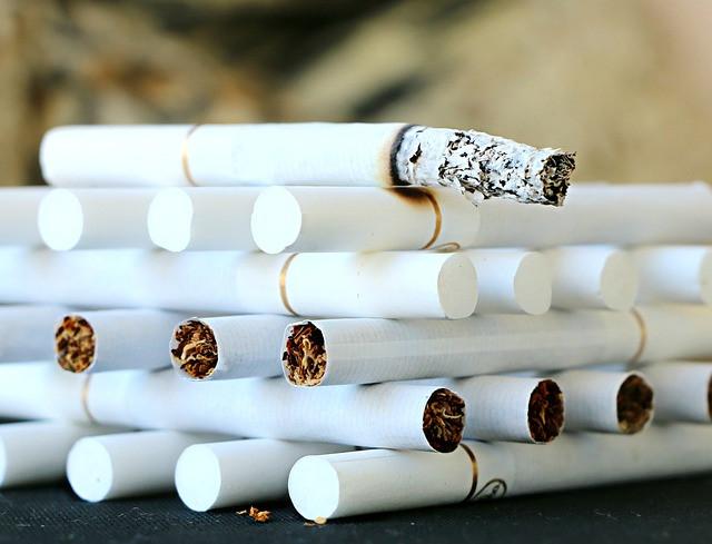 タバコを吸う人は健康?