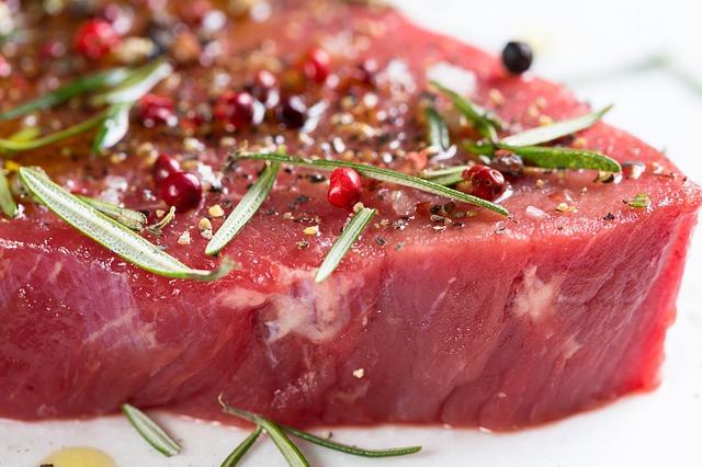 肉を食べて筋トレ