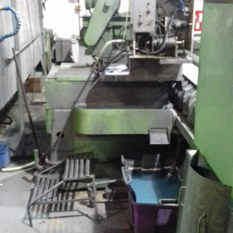 dismantaling machine