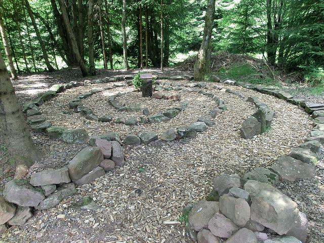 labyrinth-1154846_640