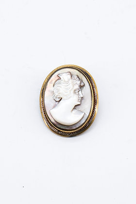 1930 Cameo Mother of Pearl Brooch/Pendant