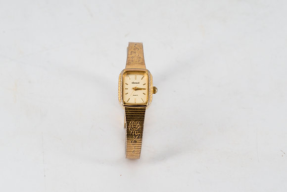 Ingersoll Lady Wristwatch with Rose Pattern