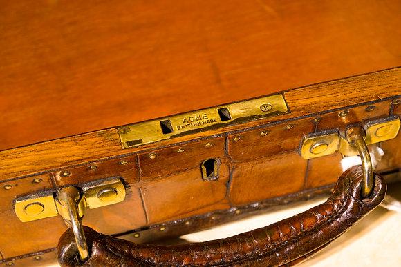 1890年 鱷魚皮行李箱(皇家砲兵團)