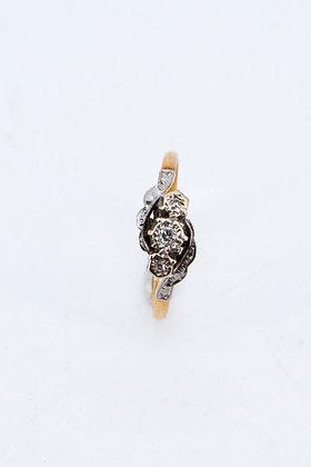 18ct Gold 3 Stone Diamond Engagement Ring