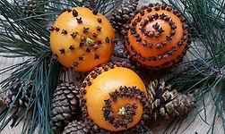 orange-pomander-balls-decor-e14503894434
