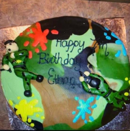 Camo Paintball cake