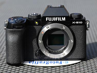 Fujifilm X-S10 - kamera za preskok med Fujifilm uporabnike
