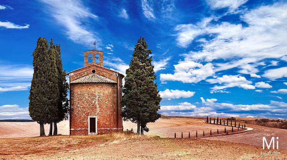 Vitaleta Chapel Tuscany FotoPOTEP Toskana Matjaz Intihar