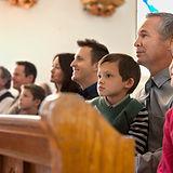 Personas en Iglesia