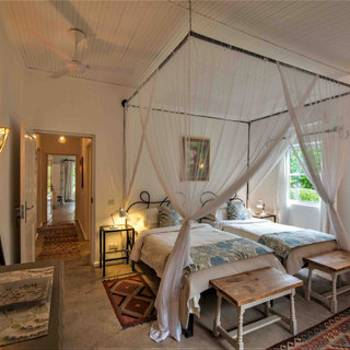 Superking double or large twin bedroom at River Farmhouse, family friendly and for exclusive use at Waterberry Lodge