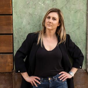 Το Μουσείο των Ραγισμένων Σχέσεων (βιβλίο) και μία συνέντευξη με τη συγγραφέα Ιωάννα Γκανέτσα*