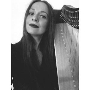 Η θεραπεία μέσα από την μουσική: μια συνέντευξη με την μουσικοπαιδαγωγό Αθηνά Κουμάνταρου
