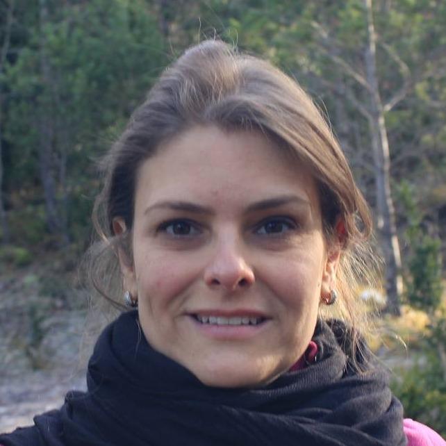 Ana Carmem Oliveira