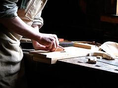 carpenter-1176380.jpg