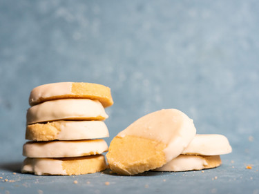 White Chocolate Macadamia Shortbread