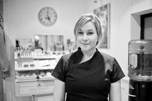 Anna Hart, Head therapist