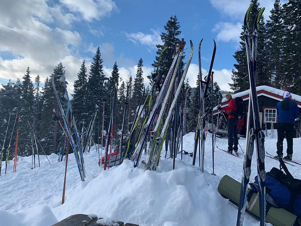 Cross country skis outside the Grønnlia in the Bymarka