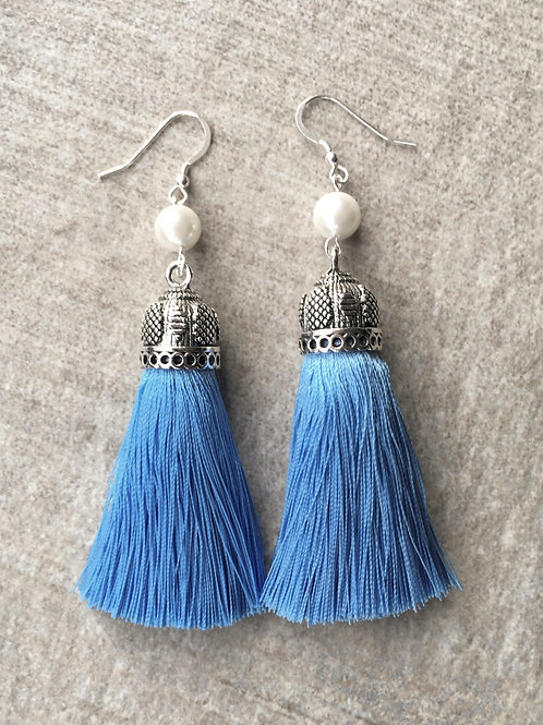 Chunky silky tassel earrings with pearls - light blue