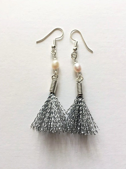 shimmer flash tassel earings with freshwater pearl - silver