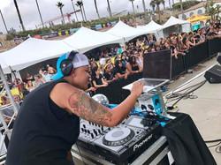 RESIDENT DJ SUPERGIRL PRO DJ DOPAMIN
