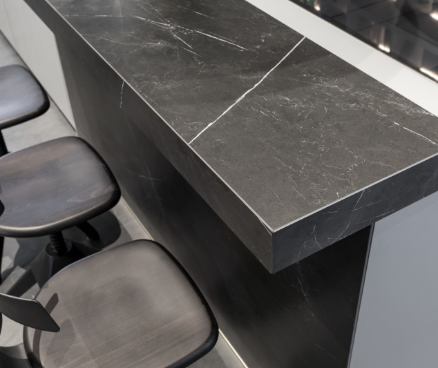 worktops-ceramic-marble-nero-effect.png