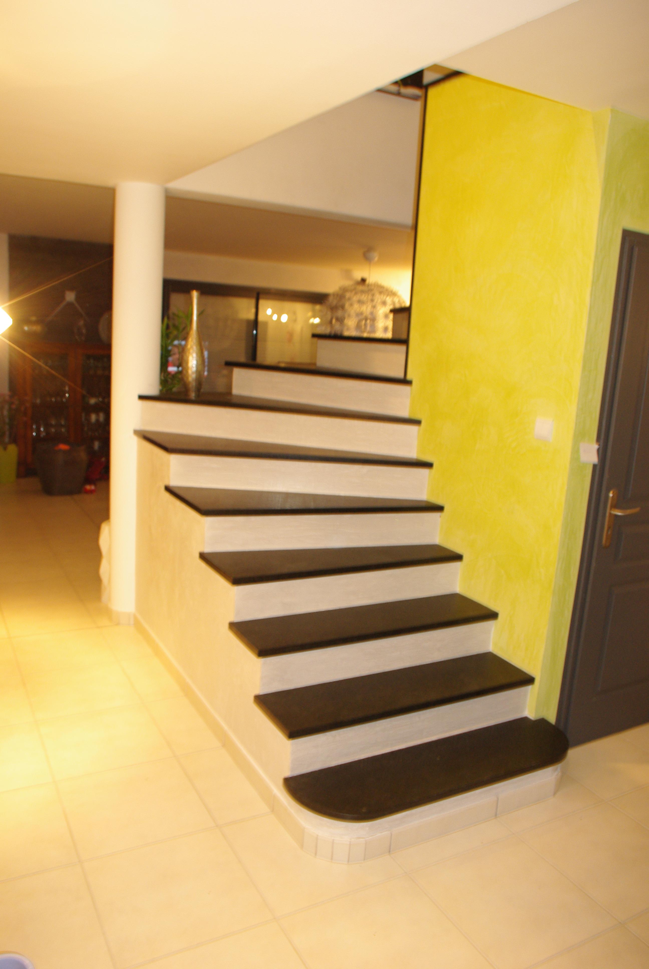 escalier-granit-noir.jpg