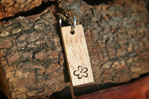 Daisy Cut-out Keychain