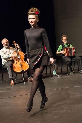 Irish dancer, Irish music, dance perfomance, dance show, fiddle, accordion
