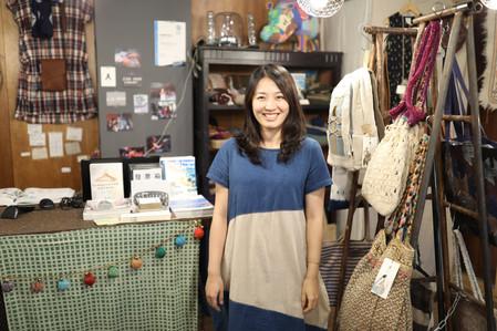 繭裹姊姊_宛儒 _如果你對公平貿易和手工藝品有深深的熱愛,在這裡可以遇到許多驚喜,一起來創造改變吧!! Be a Twiner, be the change!
