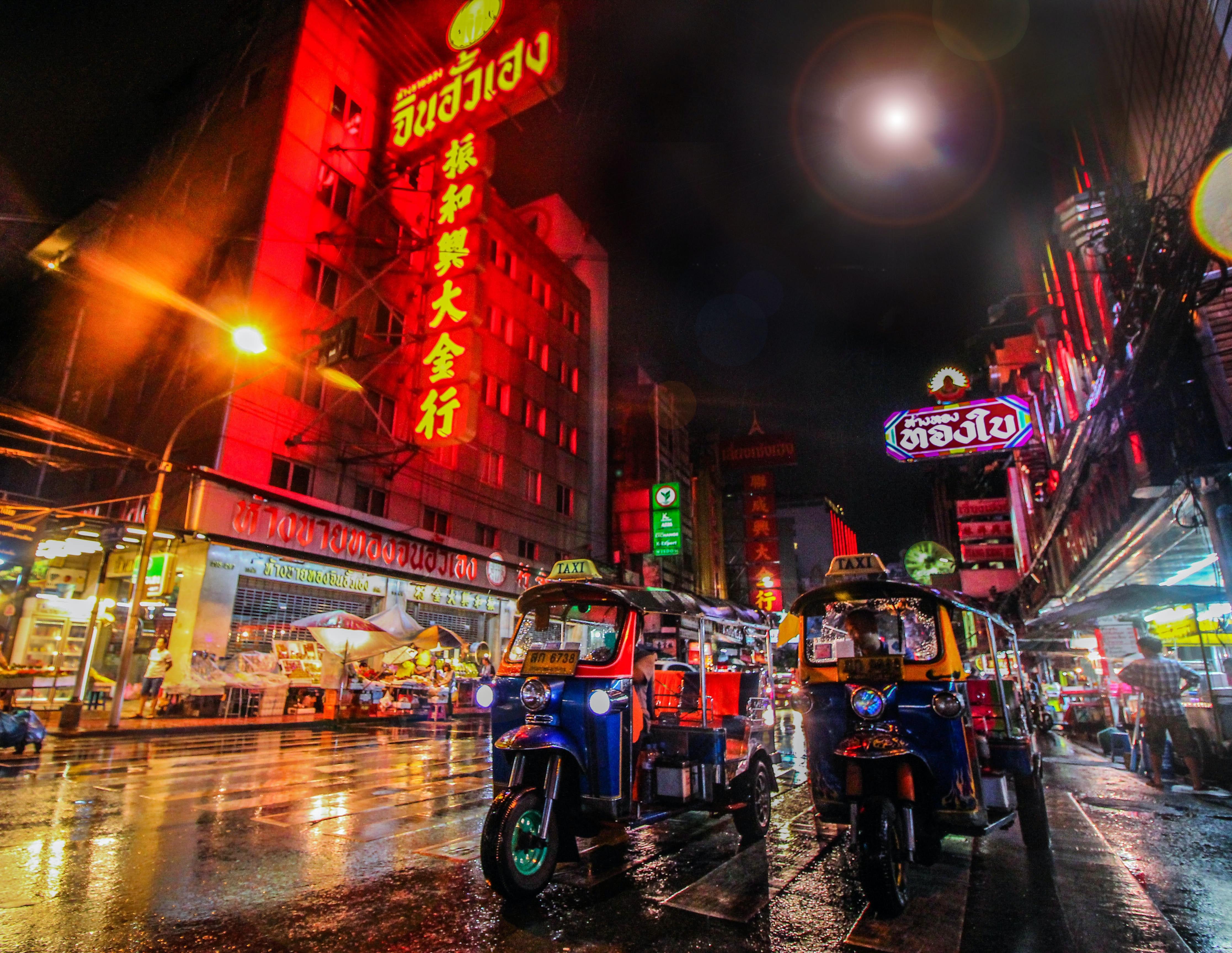 Tuktuk at Night