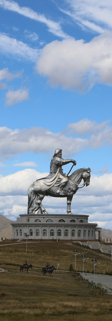Giant Genghis Khan Statue.jpg