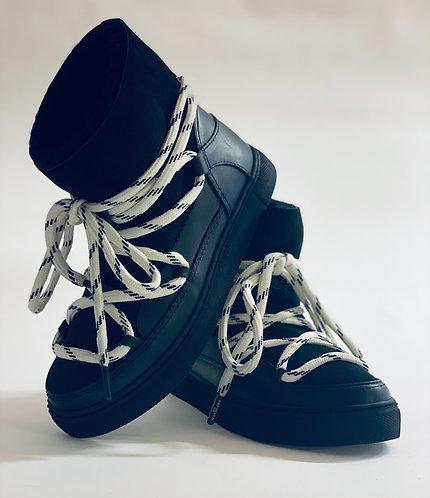 """Est'Mouton Boots """"Black"""""""