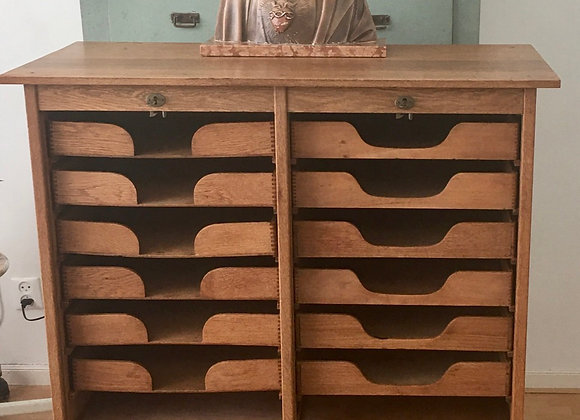 Dubbele, houten archiefkast met rolluik