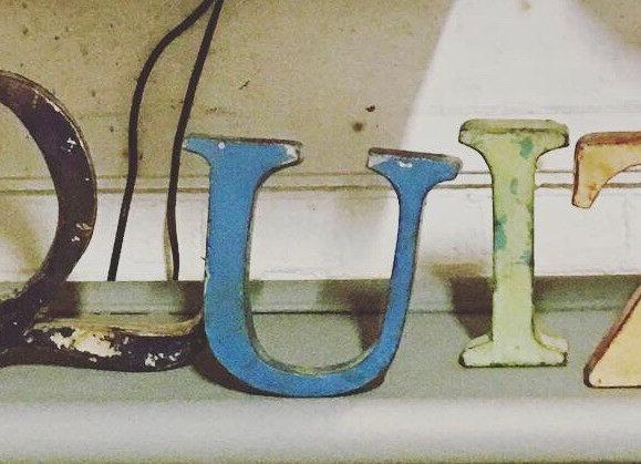 Vintage letters metaal