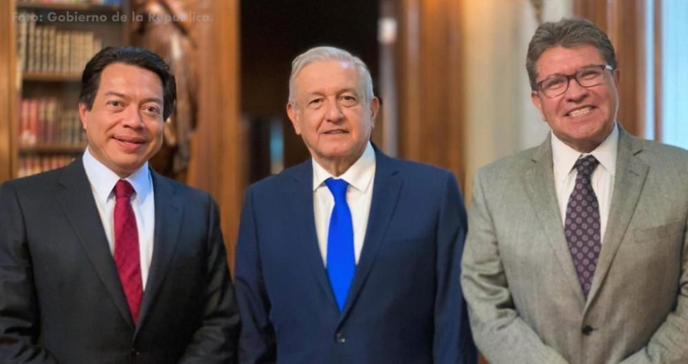 Mario Delgado, promotor de la reforma, junto al presidente y a Daniel Monreal, quien protagonizó una 'polémica' contra Cuarón en 2016.